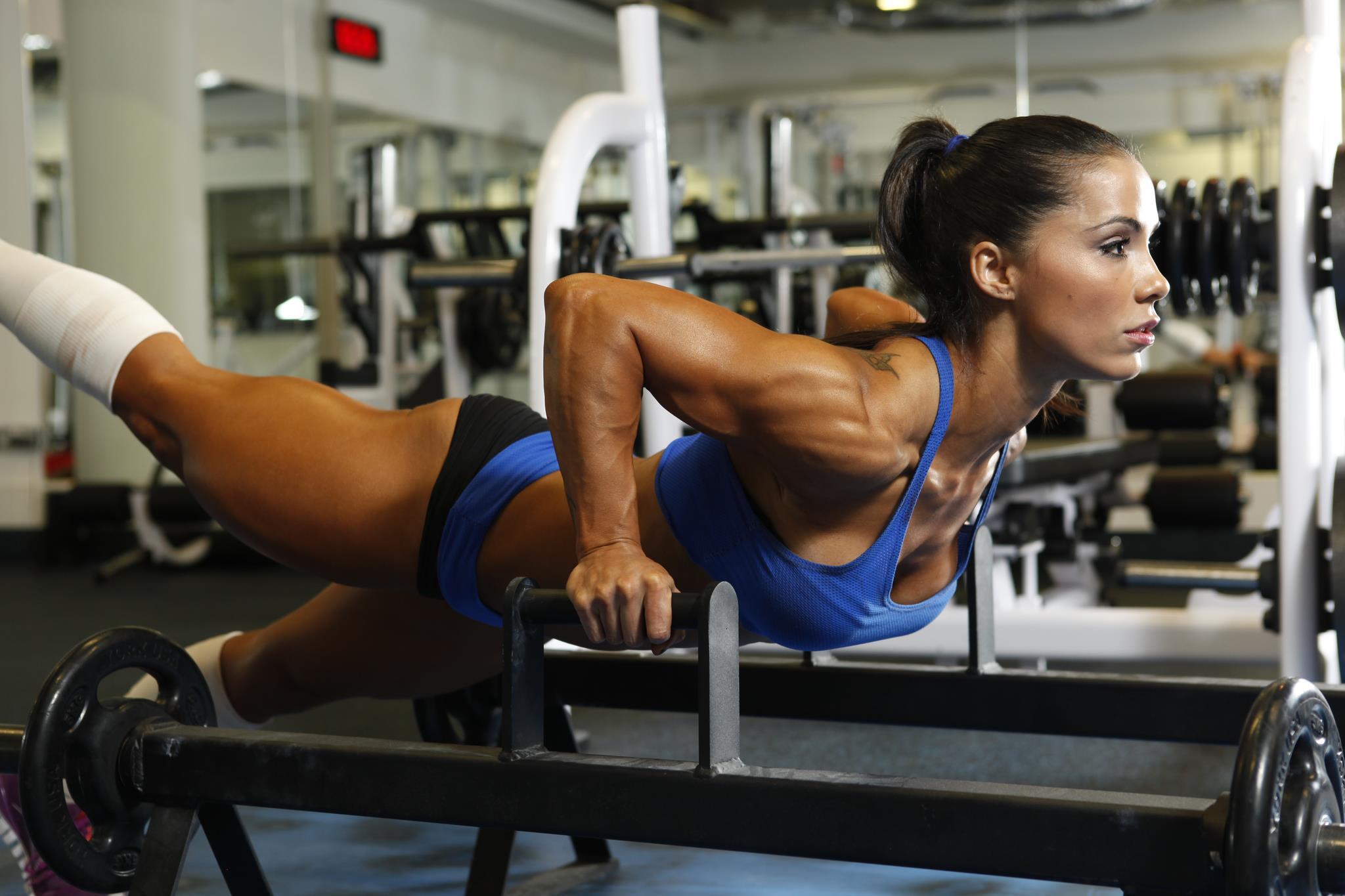 Фото девушки бодибилдинг фитнес 6 фотография